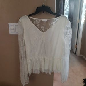 Peasant top w/ lace and elastic waist